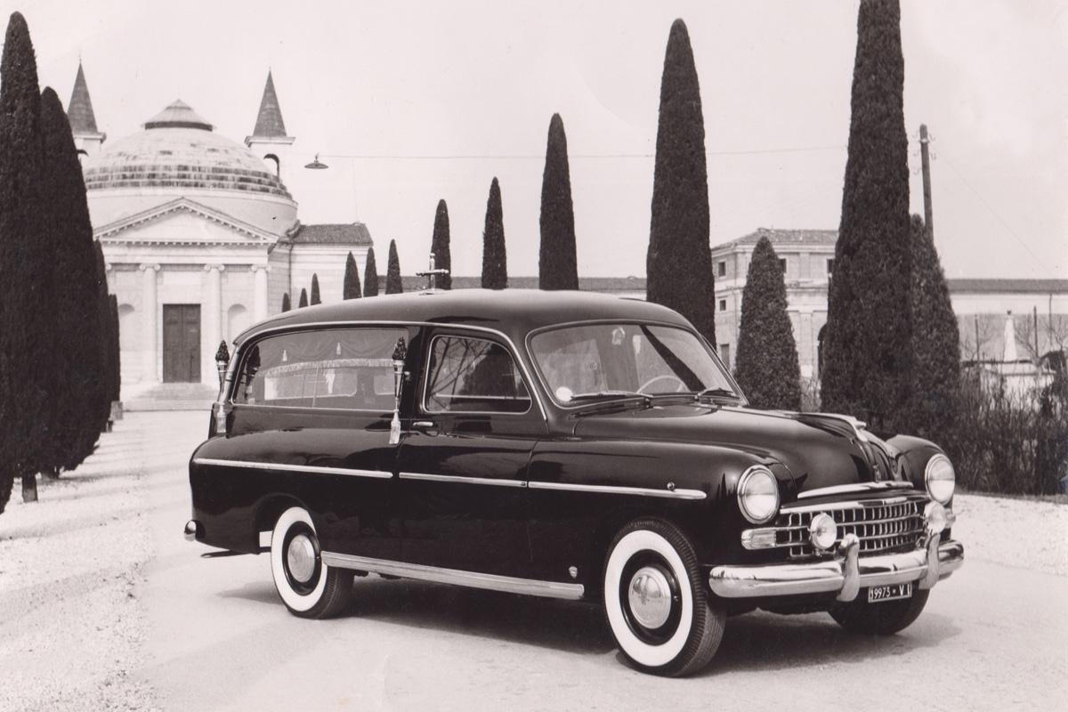 foto-storica-carro-funebre-dal-santo
